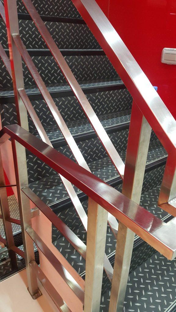 railing stainless steel minimalis