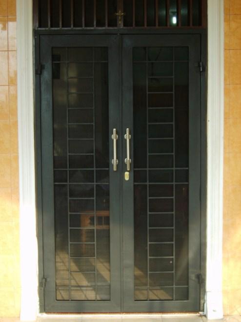 Teralis Pintu Minimalis