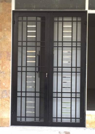 Model Teralis Pintu Dua