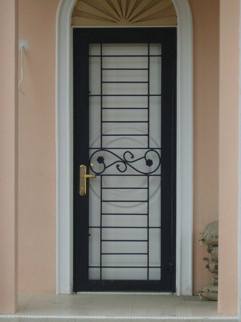 Model Teralis Pintu Minimalis