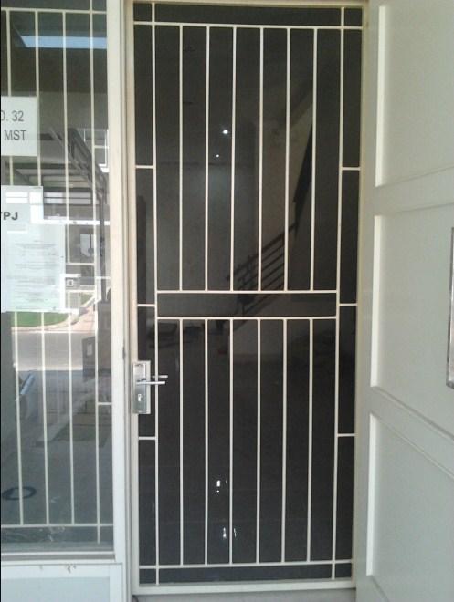 Model Teralis Pintu Minimalis 15