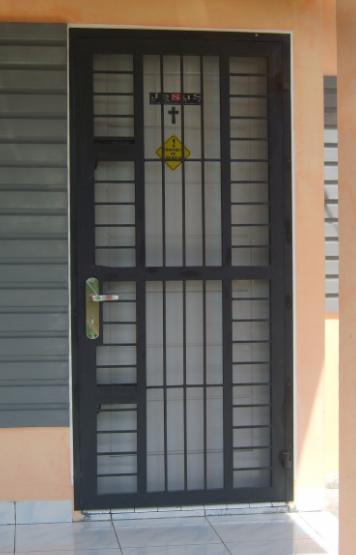 Model Teralis Pintu Minimalis 05