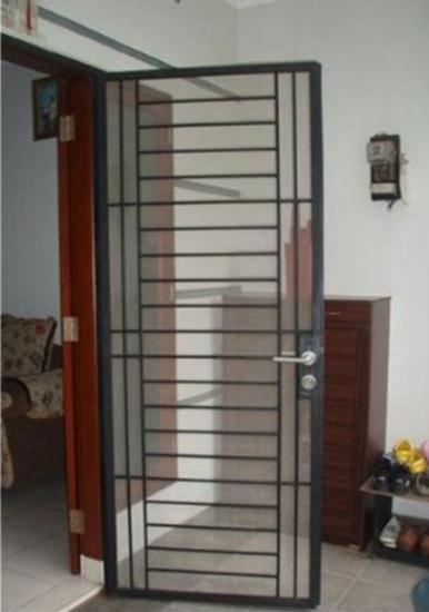 Model Teralis Pintu Minimalis 06