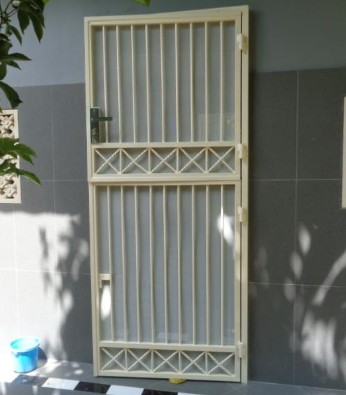 Model Teralis Pintu Minimalis 14