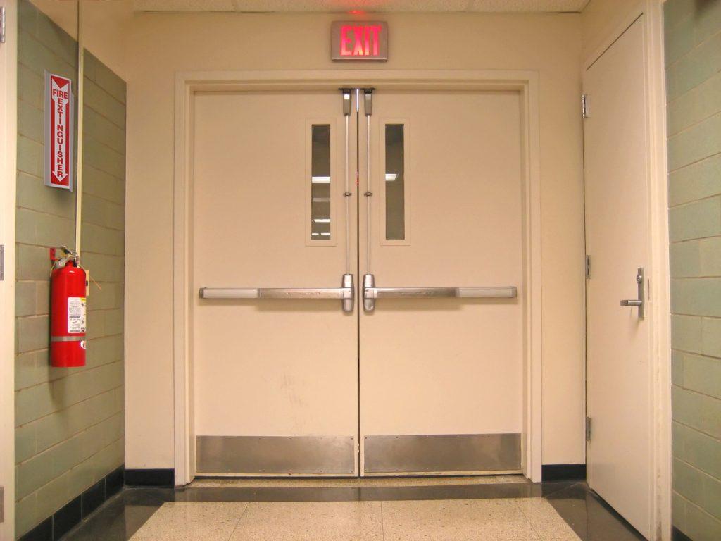 Pintu Emergency