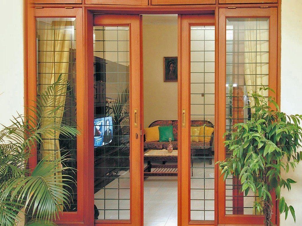 Pintu Geser Kayu dengan Panel Kaca