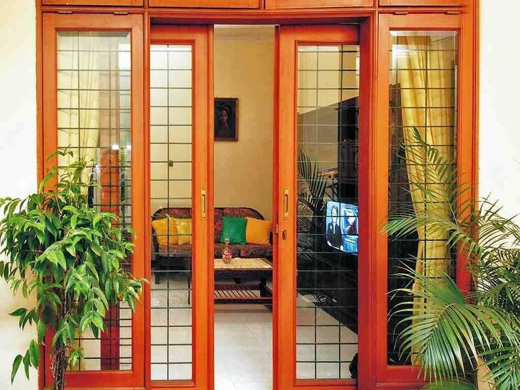 pintu minimalis dengan bingkai kaca