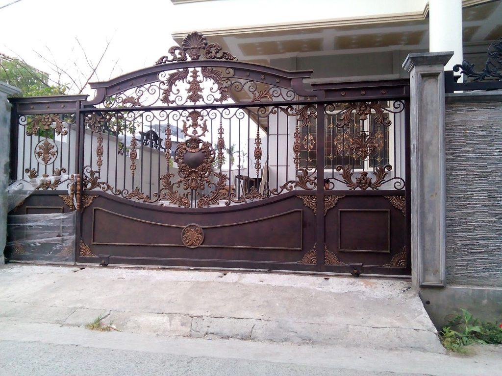 Teralis Besi Pintu Gerbang Mewah