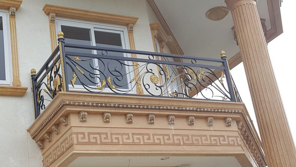 Balkon Besi Tempa
