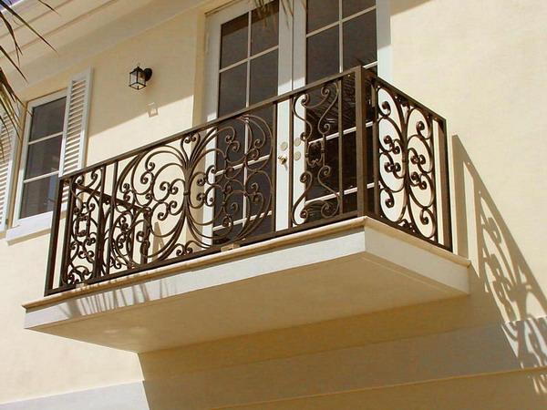 Railing Balkon Besi Minimalis