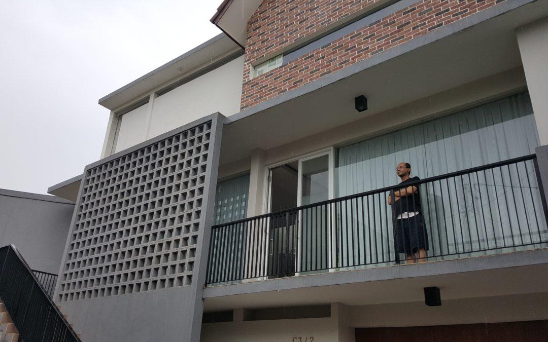 railing besi balkon minimalis