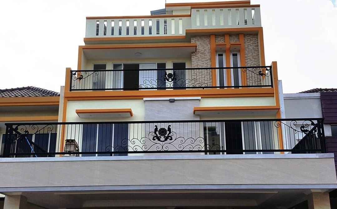 railing balkon besi tempa minimalis